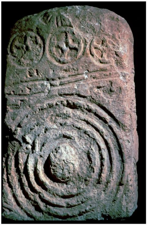Stèle-panoplie de Sextantio